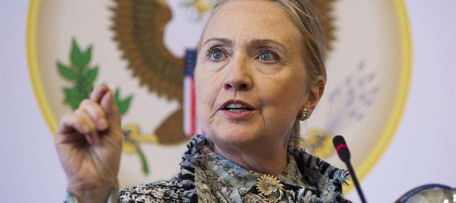 Эпилептичка Хиллари Клинтон призывает Европу перестать «сюсюкаться» с русскими