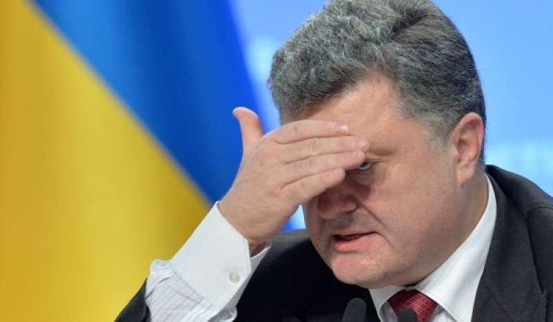 Ганьба! Самозванца Порошенко освистали на Майдане