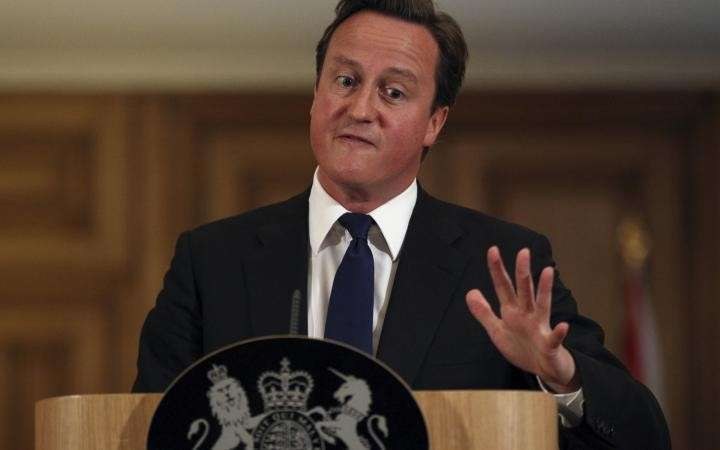 Экстремист Кэмерон выступил за усиление санкций против РФ и исключение её из G8