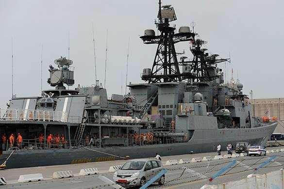Россия получила еще одну базу для обсуживания военных кораблей. Российский эсминец у причала