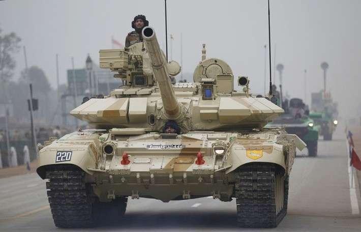 Танк Т-90 во время Военного парада в Нью-Дели