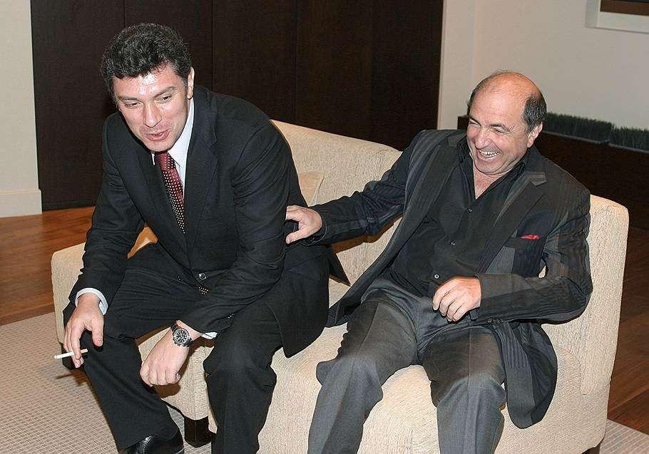 Кому выгодно убийство никчемного Немцова?