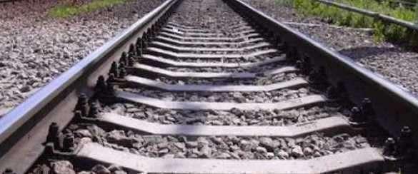 Российский поезд с гумпомощью прибудет завтра в Луганск. Желознодорожные рельсы
