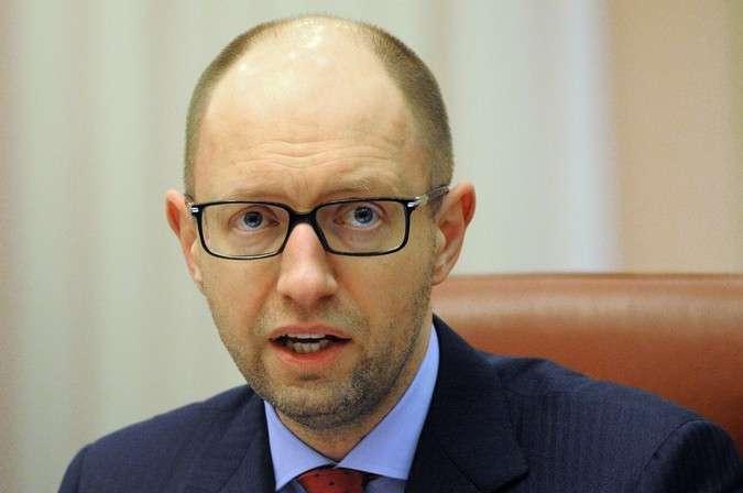 Яценюк признался: Запад обобрал Украину грабительскими процентами