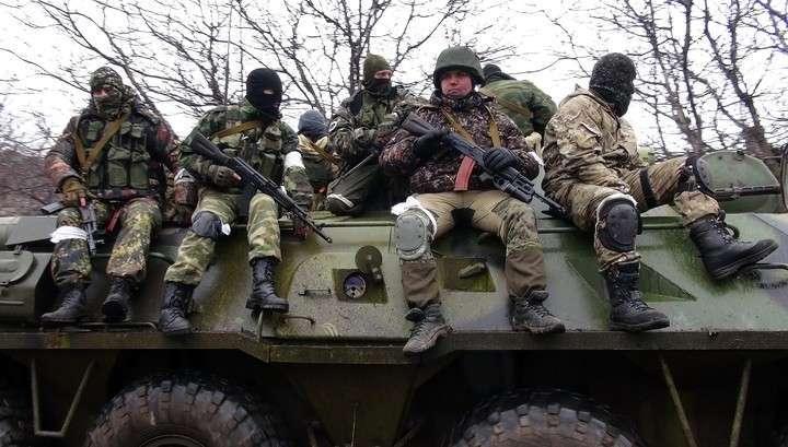 Мужское население ДНР массово вступает в ряды ополчения