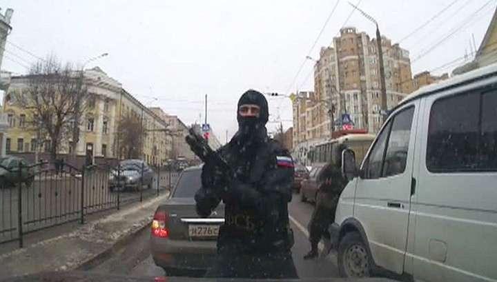 ФСБ с поличным задержала чёрных оружейников, торговавших в центральной России