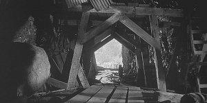 130 лет назад шахтеры из Моберли нашли город великанов