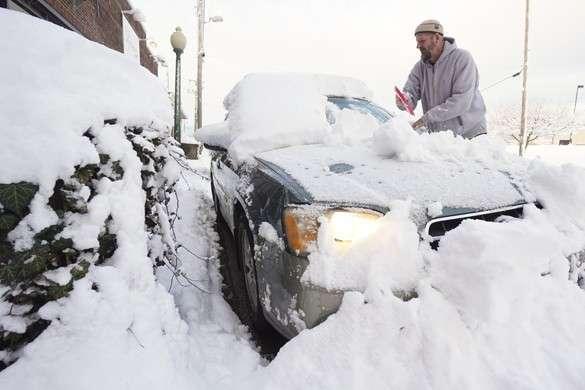 В США отменены тысячи авиарейсов из-за снежной бури. Восток США завалило снегом
