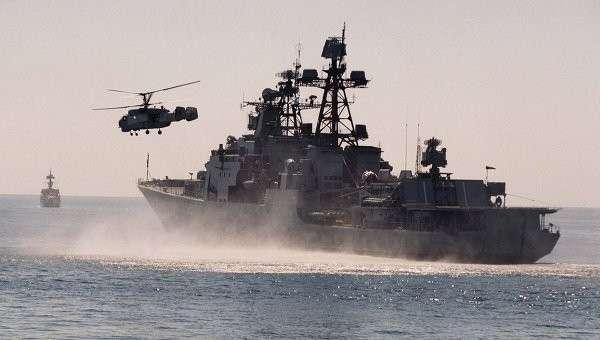 Вертолет и БПК Адмирал Трибуц Тихоокеанского флота