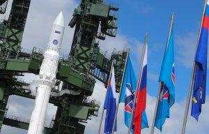 Роскосмос планирует разработать версию ракеты «Ангара» для полетов на Луну