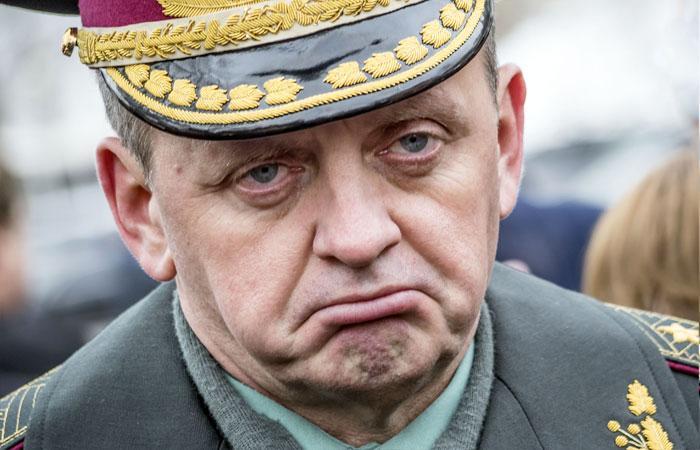 Украинские военные открыто потребовали отставки верховного командования. И это похоже на подготовку путча