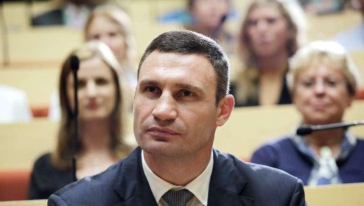 Народ в Киеве волнуется и требует к себе мэра поговорить