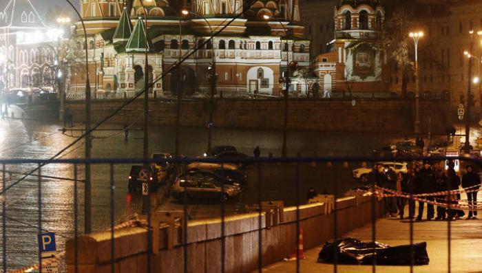 В Москве-реке обнаружены пистолеты, из которых, возможно, стреляли в Немцова