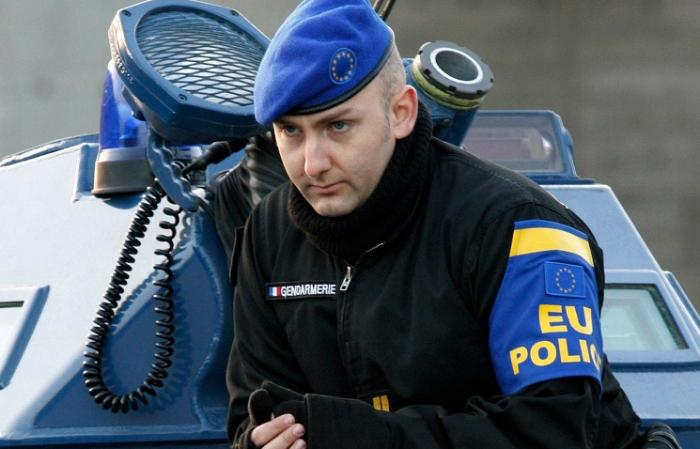 Украинские каратели просят ЕС послать на Донбасс полицейскую миссию