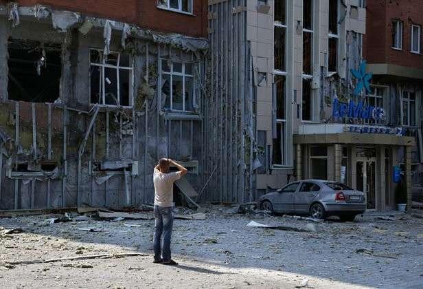 Запад и север Украины требуют продолжить войну в Донбассе. война донбасс дом