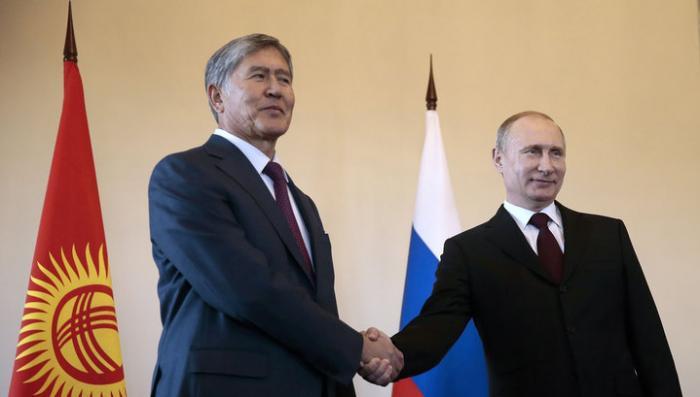 Владимир Путин и Алмазбек Атамбаев встретились в СПб