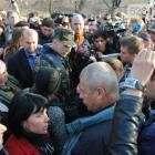 Командующий контртеррористической операцией генерал Крутов временно задержан местными жителями (видео)