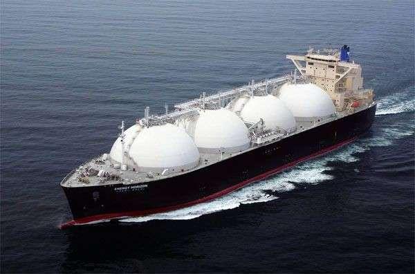 Турция отказала Украине в проходе танкеров с СПГ через Босфор
