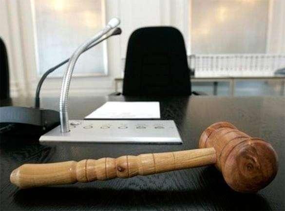 Суд за взятку заключил под стражу члена правительства Петербурга. взятка