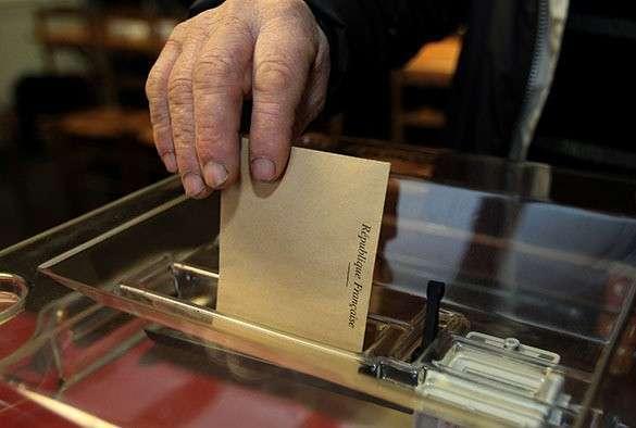 В первом туре выборов во Франции лидирует венгерский еврей Николя Саркози. Выборы во Франции
