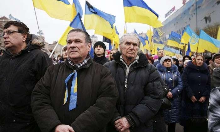 «Диванные войска» Украины запросили мира. На Украине сторонники продолжения войны в Донбассе оказались в меньшинстве