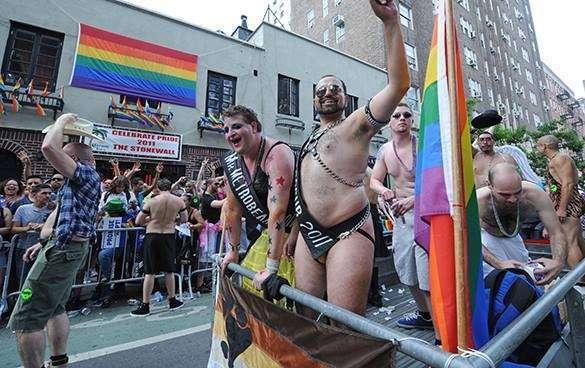 Законопроект: Калифорнийский адвокат требует разрешить гражданам убивать гомосексуалистов, если США не предадут их смерти. 315740.jpeg