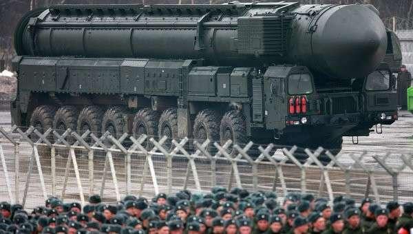 Установки ракетного комплекса Тополь-M во время подготовки к Параду Победы. Архивное фото