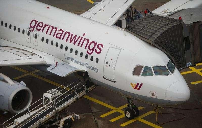 Задвижки на двери пилотов не было - обмануть потерпевших не удастся