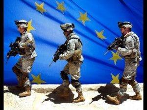 Власти грозили европейцам тюрьмой за встречу войск НАТО яйцами