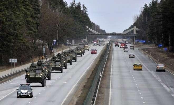 В Чехии официально запрещено кидать овощи в военный конвой НАТО