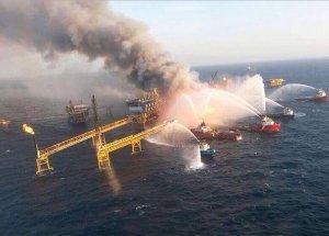 Эксперт: Взрыв на платформе Pemex напоминает катастрофу на BP