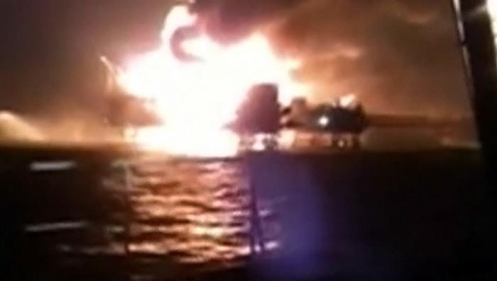 Пожар на буровой платформе в Мексиканском заливе потушить не могут