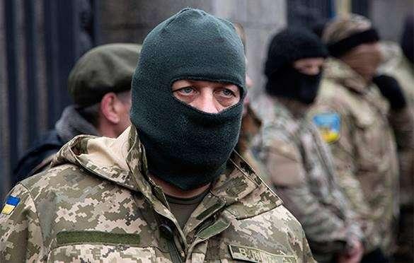 Житель Луганска: Силовики говорят о мире, а сами формируют ударный кулак бронетехники.