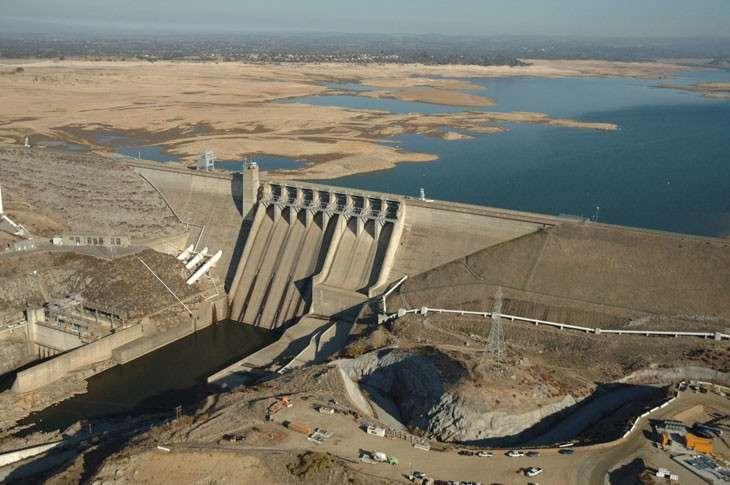 Калифорния законодательно ограничила потребление воды на 25%