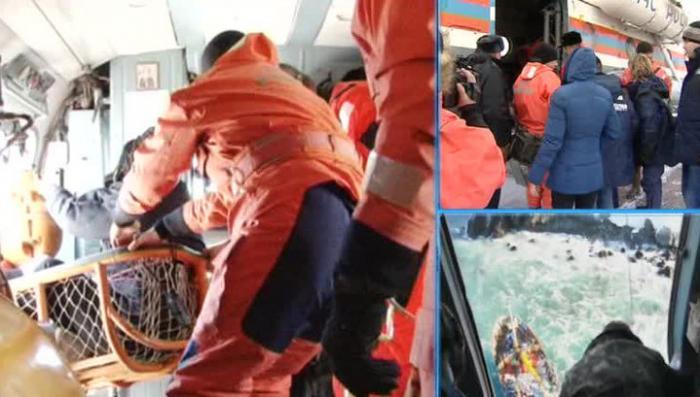 Продолжается спасение моряков затонувшего траулера