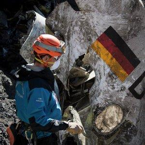 Во Франции завершён поиск тел на месте крушения немецкого Аэробуса