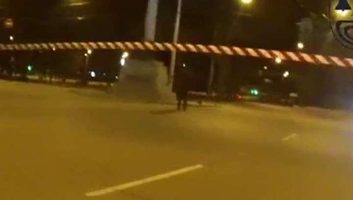В Харькове пытались подорвать стелу с укро-флагом