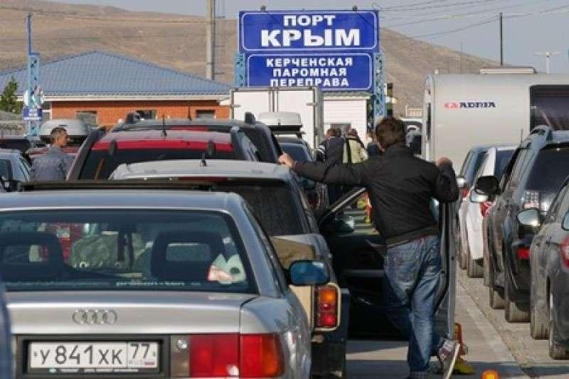 Бандиты взяли под контроль Керченскую переправу