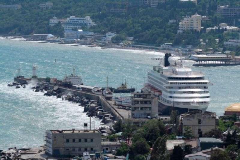 Ялтинский порт захватывают ростовские