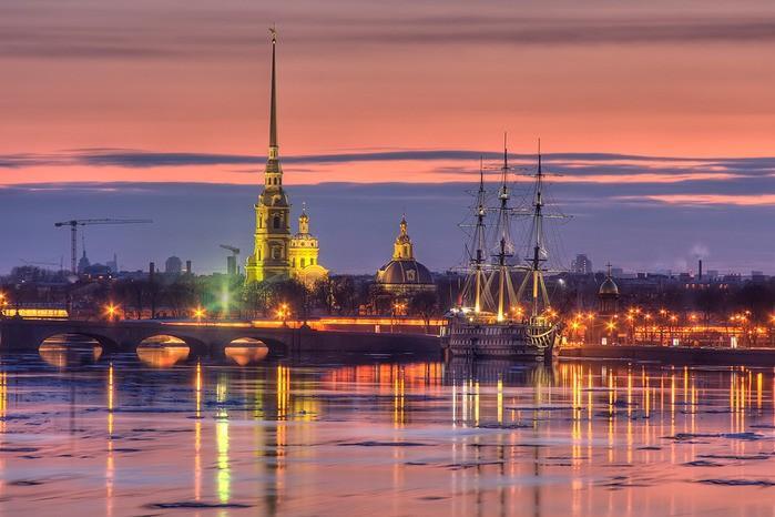 Российские туристы компенсировали Петербургу отток диких иностранцев