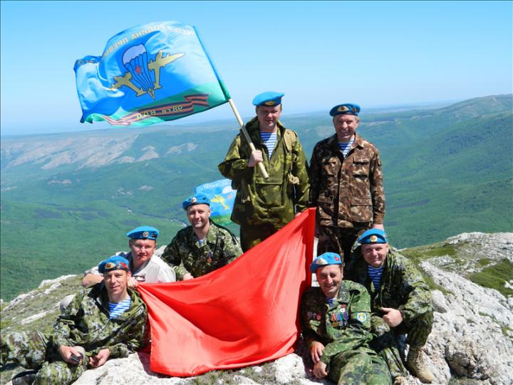 Вежливый человек из Крыма Владимир Кузьменков: мы готовы прийти на помощь юго-востоку