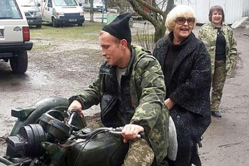 Ада Роговцева выслуживается перед укро-ничтожествами