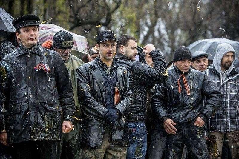 В Донецке помнят подвиг 300 запорожцев