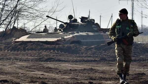 Солдат украинской армии в Донецкой области. Архивное фото