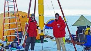 Под антарктическими льдами процветает жизнь