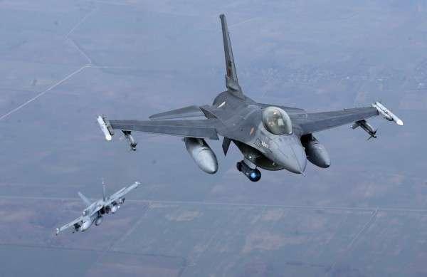 НАТО пытается демонстрировать активность вдоль российских границ