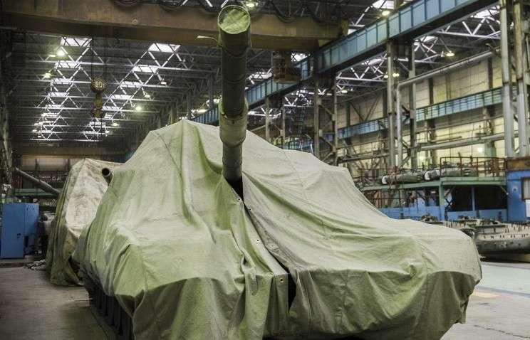 Расходы РФ на госпрограмму вооружения в 2015 году составят 2 трлн. руб