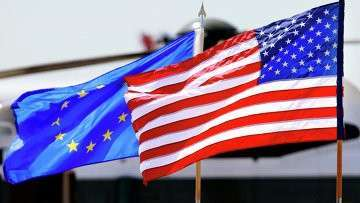 Флаги ЕС и США. Архивное фото