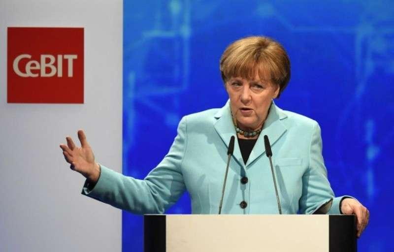 Меркель выступает в ГанноверКанцлер Германии А. Меркель выступает на церемонии открытия Выставки по информационным технологиям и телекоммуникации в Ганновере, март 2015.е