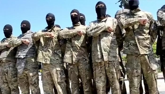 Укро-каратели из «Азова» наслаждаются пытками людей